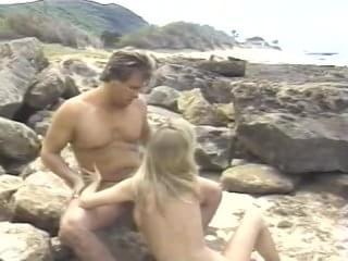 Stan Lee sex hawaiian style
