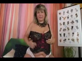 Sexy mature dildos then gets fucked