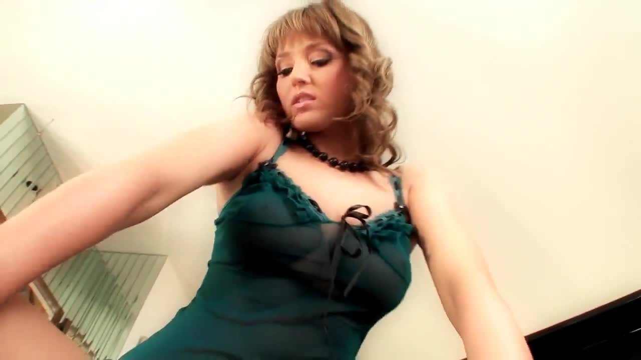 Teasing Nice on body webcam