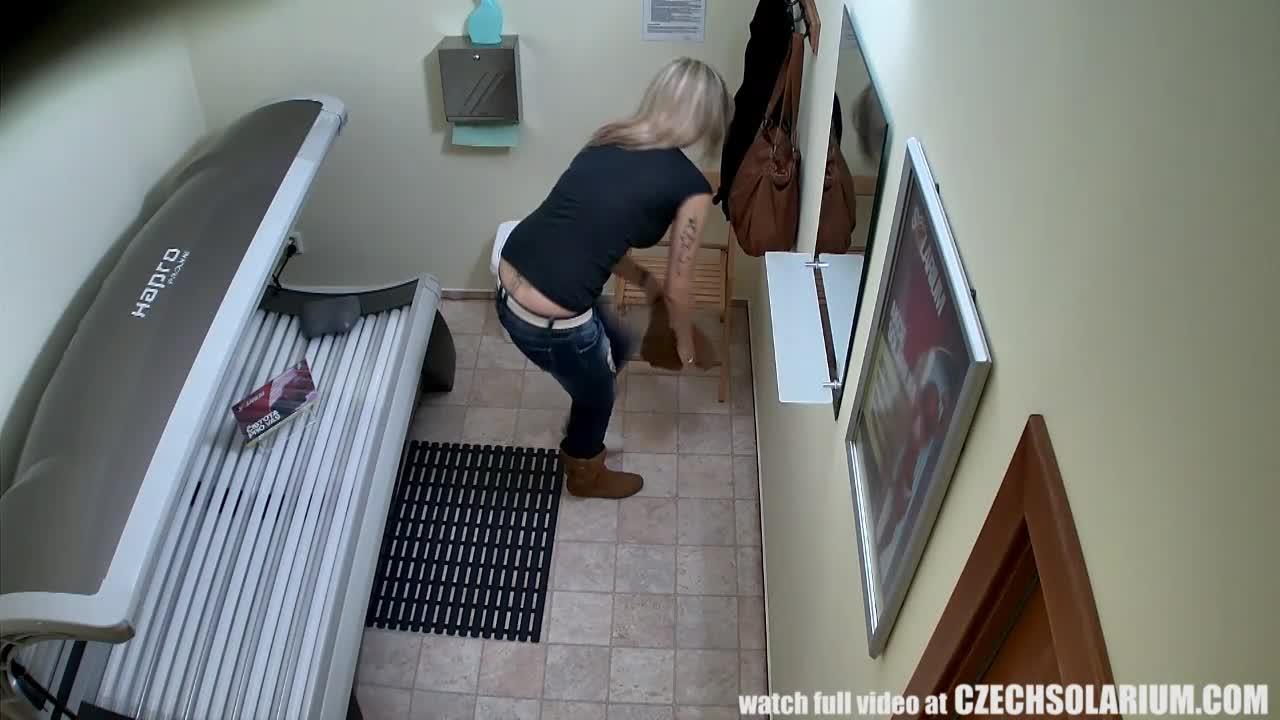 Фотки снятые скрытой камерой мастурбирующие девушки Просто