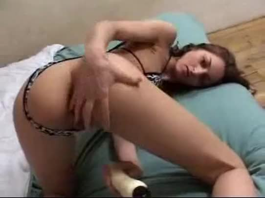 Shaina la beurette french arab girl fucked in the kitchen 1