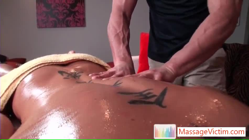 Hotty Gets His Asshole Rimmed