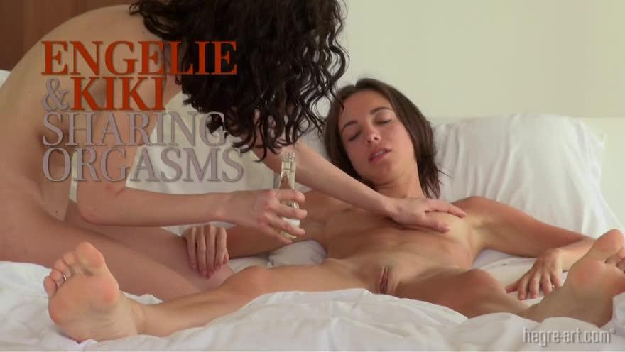 Engelie and kiki sharing orgasms