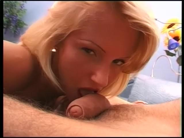 Girls Sucking On Uncircumsized Penis