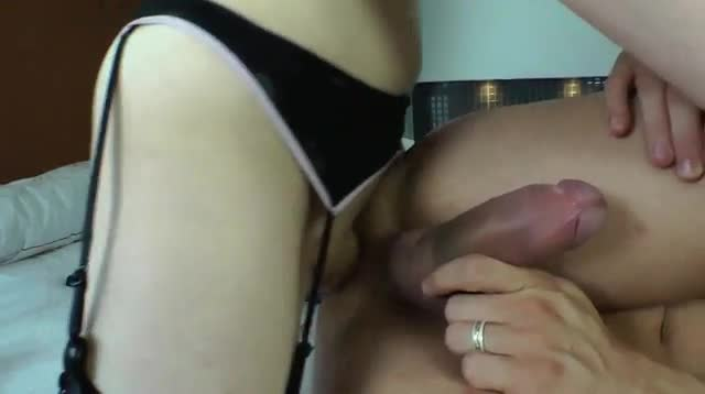 Shemale amateur in stockings anally fucking 5