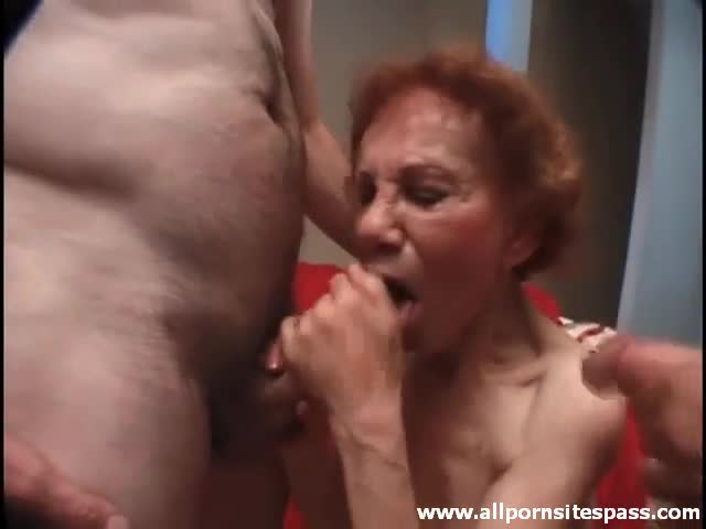 Aria giovanni fisting herself