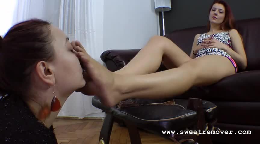 Lesbian Foot Worship Threesome