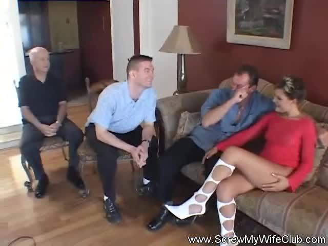 Толпой жену свингеры порно109