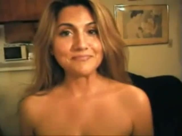 Gorgeous milf becomes so horny when lonely