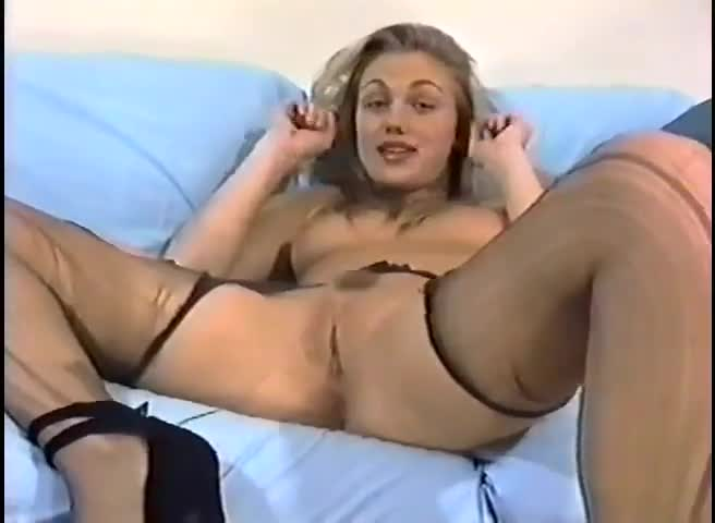 Solo hottie roxanne masturbating on give me pink with passion 9