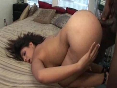 Phatass white whore gets creampied by bbc 2