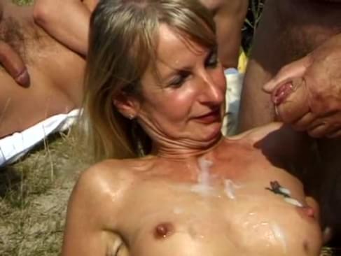 Phat pussy spank