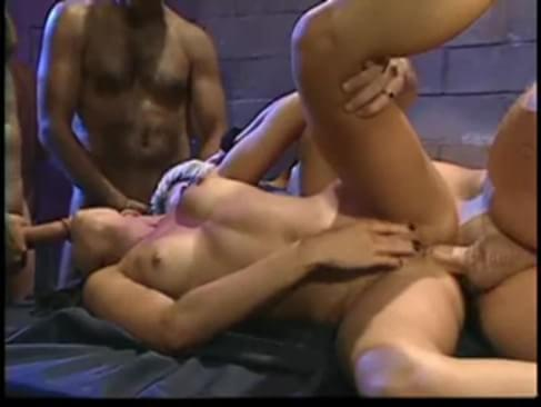 This shemale ass gets destroyed by two big cocks - XVideos