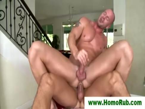 Straight Guy Gets Sensual Massage