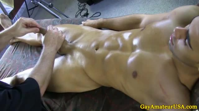 Straight Guy Gets A Handjob Massage
