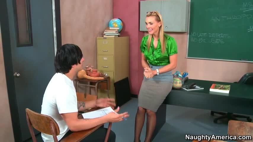 Teacher fucking her student in classroom