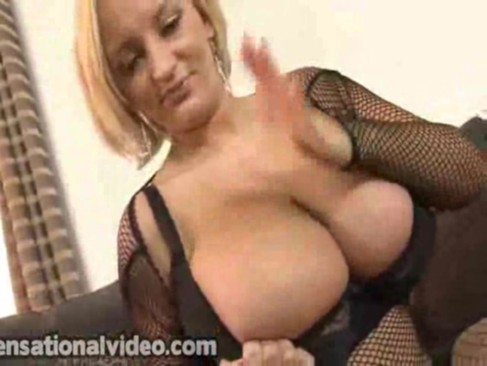 babe nikky thorne on with her hot action of blow jobbing big dic