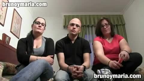 Bruno y maria Trio Amateur Espantildeol En Bruno Y Maria Xxxbunker Com Porn Tube