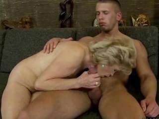 Mature woman sex video