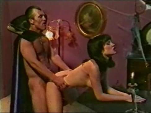 порно фильм укус вампира онлайн