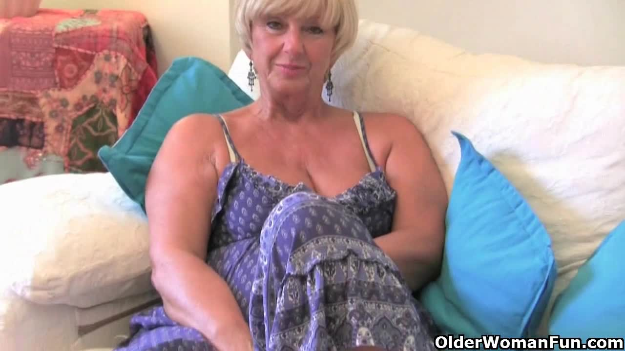 Voluptuous Grannies 68