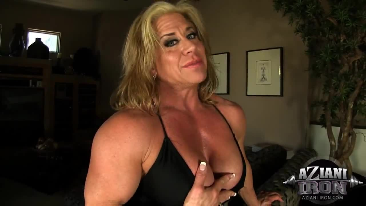 Female body builder blowjob