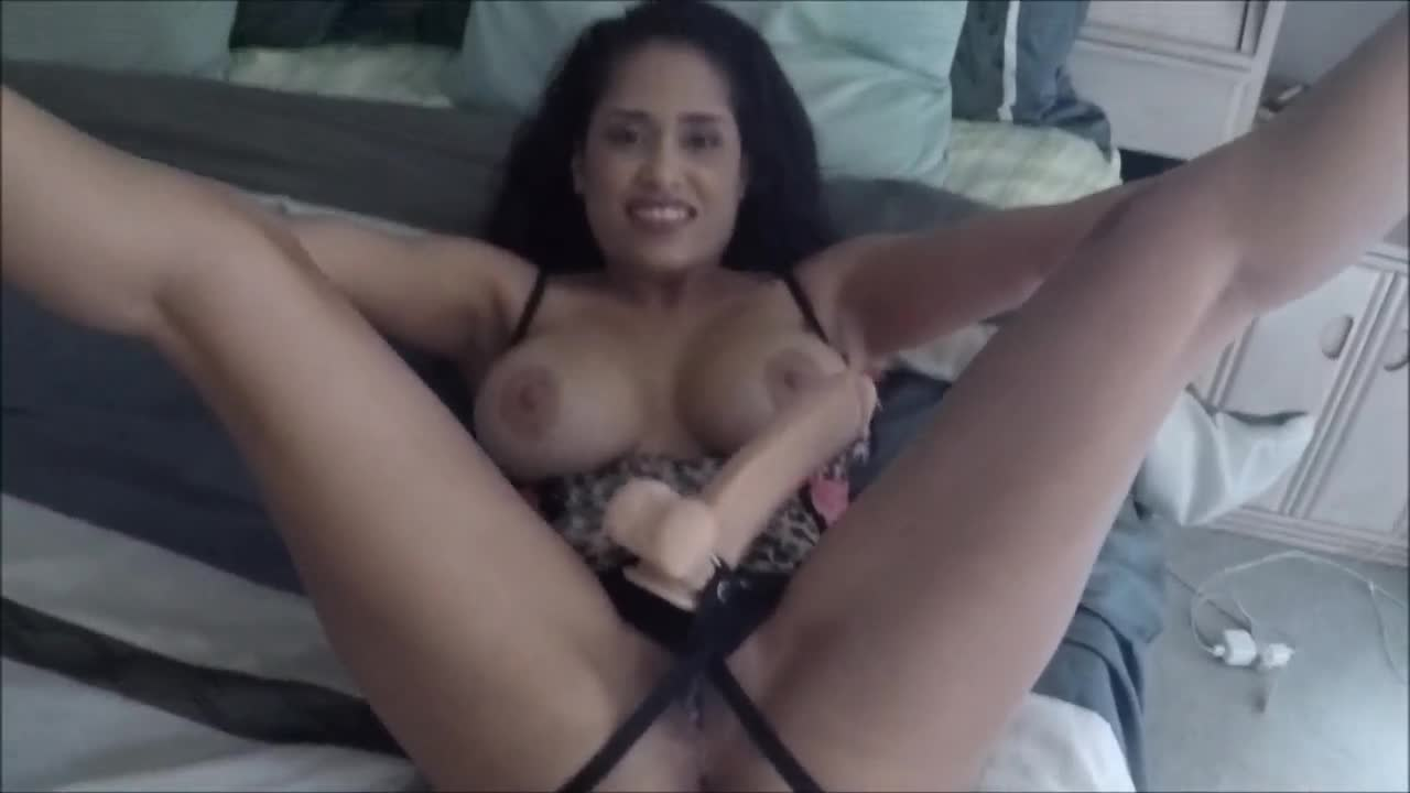 Milf eats pussy for the first time