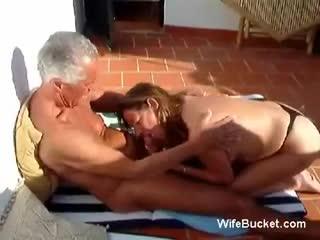 big booty light skinned girls nude