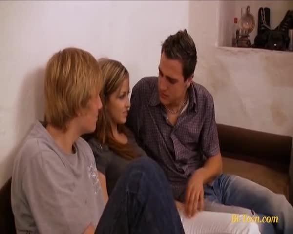 teens-bi-sex-threesome-thumbs