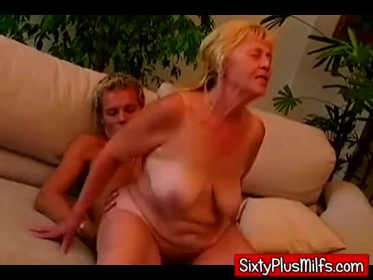 young cock fucking fat granny : xxxbunker.com porn tube