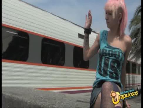 Follando Zoe el tren en nil